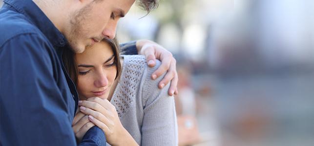 Liefdevolle aanraking in intieme relaties