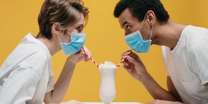 Hoe kun je ervoor zorgen dat je relatie geen slachtoffer wordt van de coronavirus pandemie?
